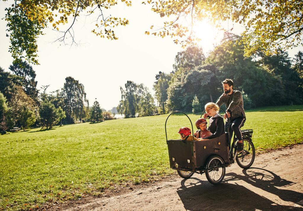 Samla familjen runt fritidsaktiviteter